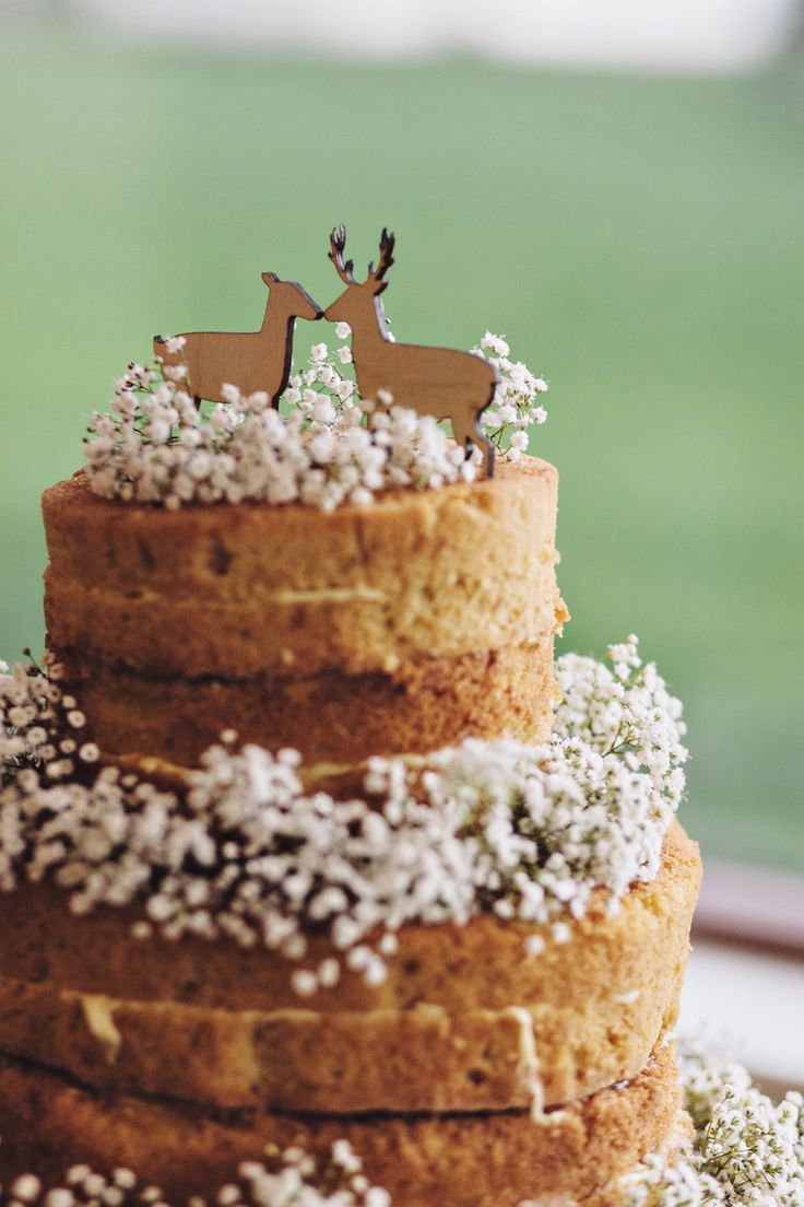 naked wedding cake decorated with baby's breath | fabmood.com: