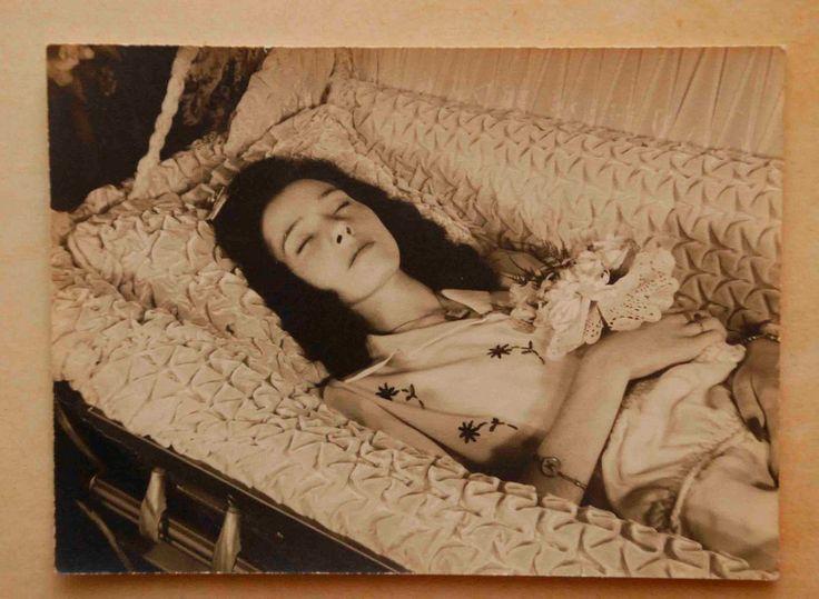 Виолетта Ирен Мичалак. Огайо. Возраст 17 лет. 1942 [3]