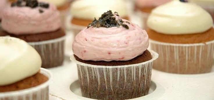 Don't Have a Special Cupcake Pan? Here's How to Bake Cupcakes and Muffins Without One « Food Hacks Daily