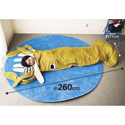 YOU+MORE! ギョッ!とびっくり ダイオウイカの寝袋クッション | フェリシモ