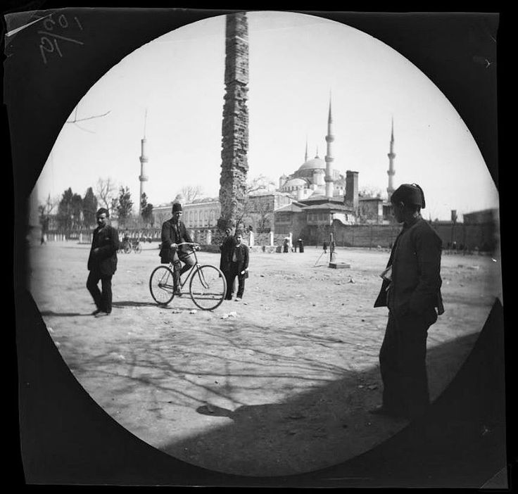 Sultanahmet Meydanı 1891 - İstanbul ( fotoğraf:William Sachtleben ve Thomas Allen )  Hippodrome of Constantinople 1891 ( taken by William Sachtleben and Thomas Allen )  Tarih Durağı  www.tarihduragi.com  #bluemosque #sultanahmet #istanbul #history #tarih #tarihtebugun #tarihten #historychannel #ottoman #gununfotografi #photooftheday #gununkaresi #instagram_turkey #love #tweegram #photooftheday #picoftheday #photography #photo #instadaily #instafollow  #tarihduragi