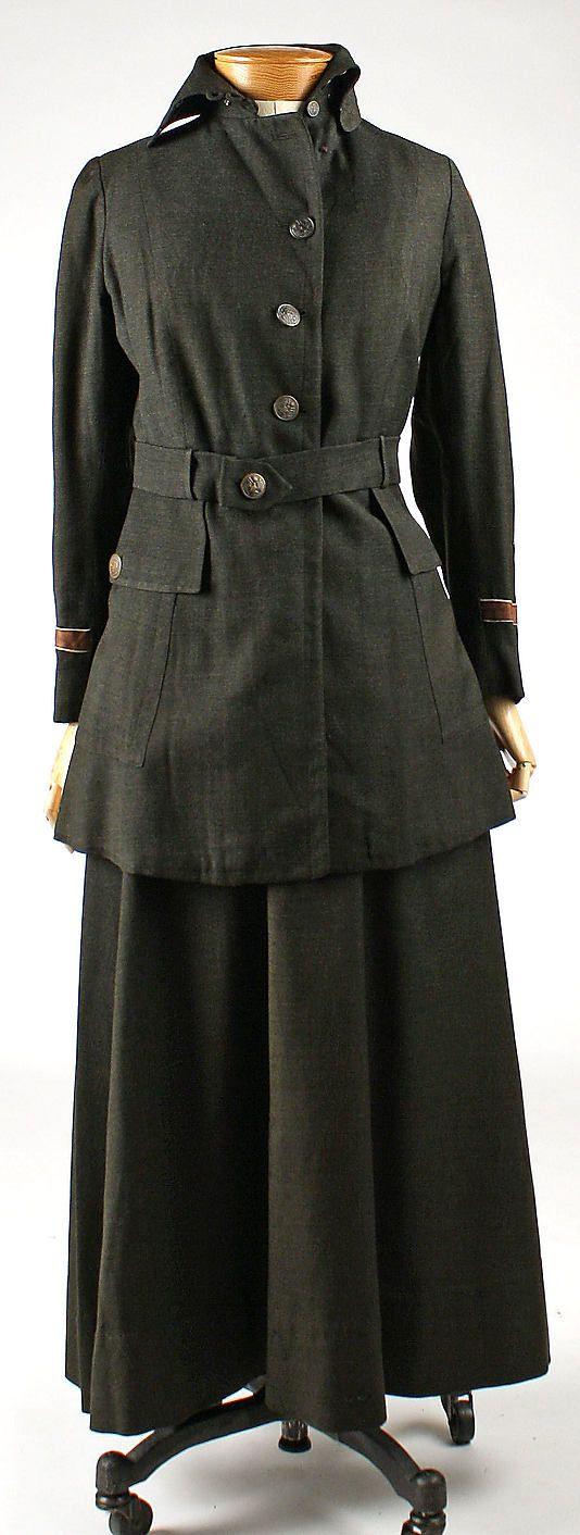 Nurse, doctor or surgeon's uniform? American, 1918.