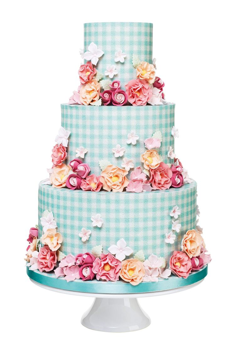 Gingham Wedding Cake, Peggy Porschen can't say I would want this for MY wedding but how cool it is!!
