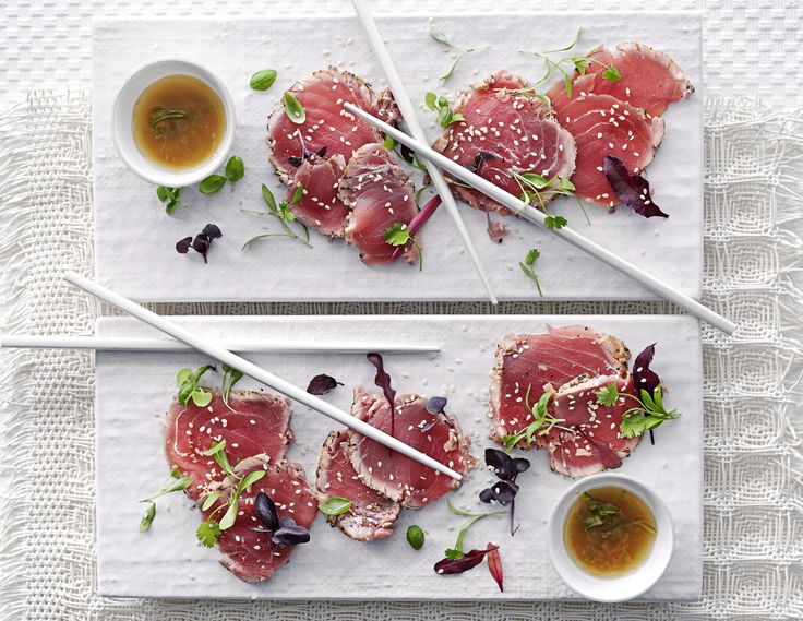 Seared tuna tataki with jalapeño ginger dressing: This simple Asian dish is super-healthy and will have your tastebuds singing. It's only 211 calories, too. Ask your fishmonger for sashimi-grade tuna.