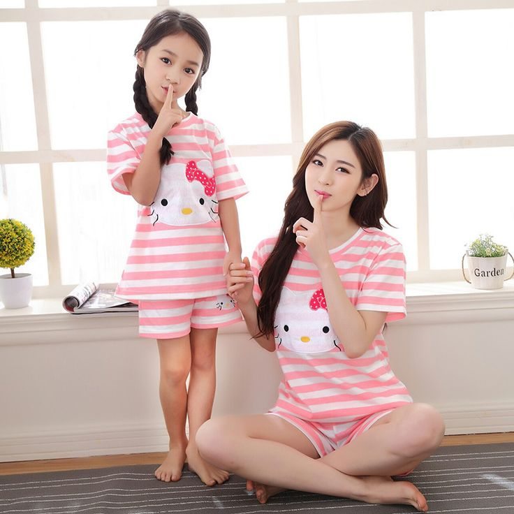 2017 new mother daughter pajamas pijamas pyjamas kids hello kitty matching mother daughter clothes clothing set  tracksuit
