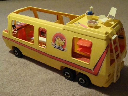 Oh gee...I remember this! I had one of these, and LOVED it! Vintage 1976 Barbie Motor Home