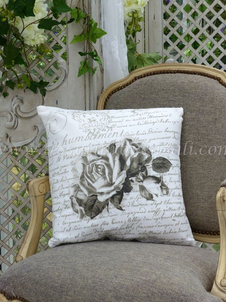"Cuscino shabby chic misto lino serie ""Roses"" Mathilde M."