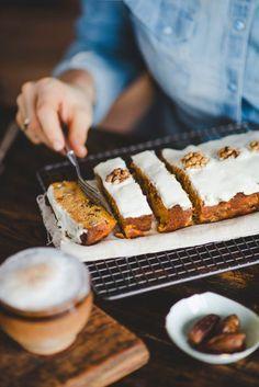Pyszne Kadry: Lekkie ciasto marchewkowe-bez białej mąki i cukru