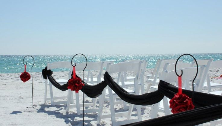 Be bold! black and red beach wedding