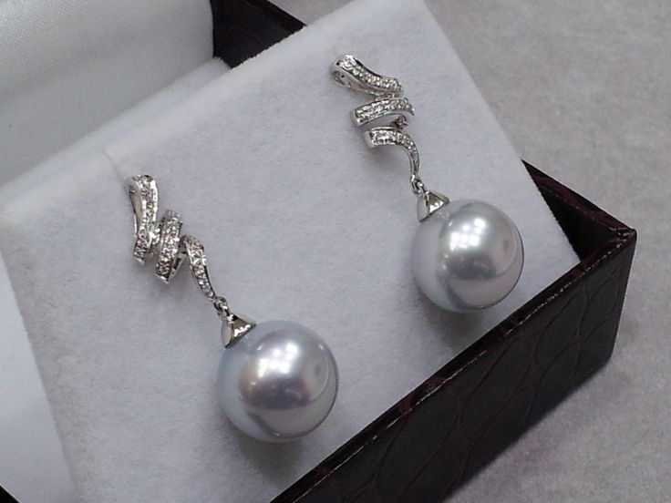 Product Details Grade: AA+ Size: 12mm Shape: Perfect Round Colour: Sliver White Material: 18K with 0.12ct Diamond.   Final Price: HK$7,000/.pair Retail Price: HK$10,000 - $12,00/pair or more.  https://www.facebook.com/Pearls-for-Princess-jewellery-362520173931920/  http://pearlforprincess.com/  #Sliver #White #Southseapearl