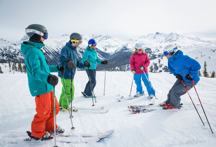 MAX4 ski lessons are for those who want more value and 1-on-1 attention in their ski lesson. The student instructor ratio is capped at 4:1.