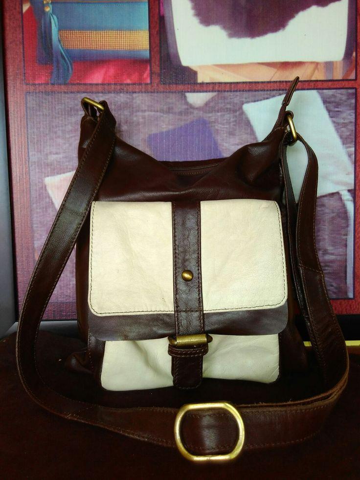 Laris leather bag no 4 handmade genuine leather price 650.000 rupiah