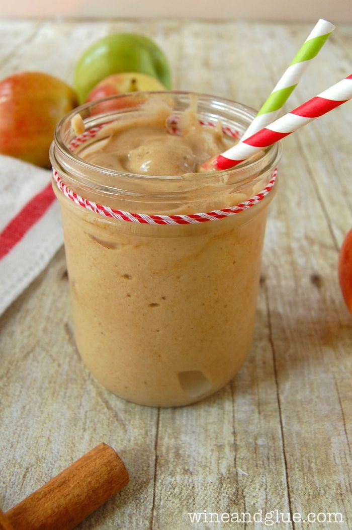 Skinny Apple Pie Shake!  Your favorite fall dessert in a skinny shake!!