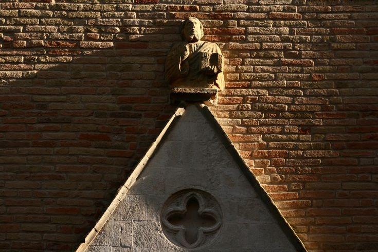 #Chiesa di San Francesco - Turista Consueto #Amandola, #Fermo, #Marche, #Italia  #romanesque #church #gothic #portal #sculpture