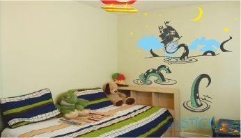 Недорогая наклейка на стену Пиратский корабль в интерьере детской комнаты