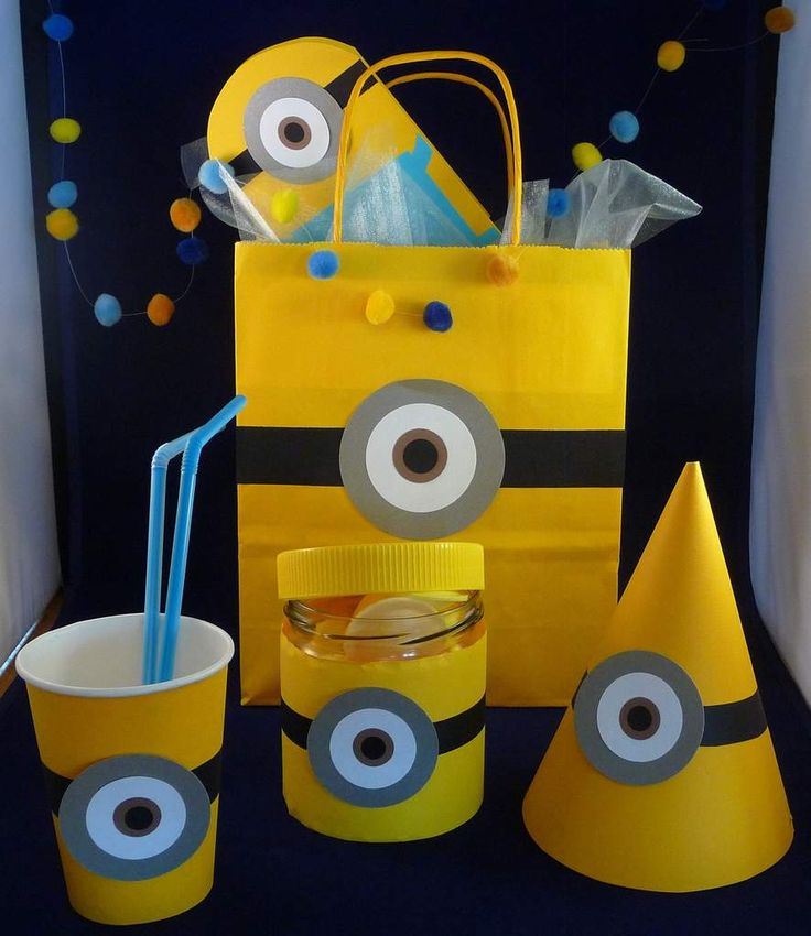 les 25 meilleures id es concernant th me de minion sur pinterest f te th me minions. Black Bedroom Furniture Sets. Home Design Ideas