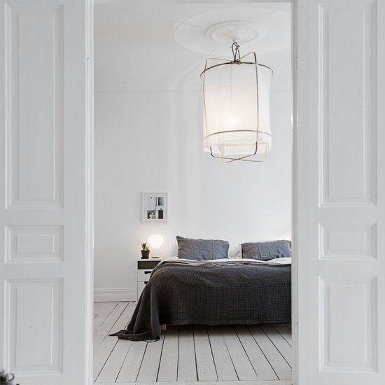 Amazing monochrome bedroom inspiration (via alvhemmakleri.se )