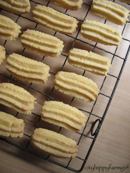 Custard Biscuits - Photo Cityhippyfarmgirl