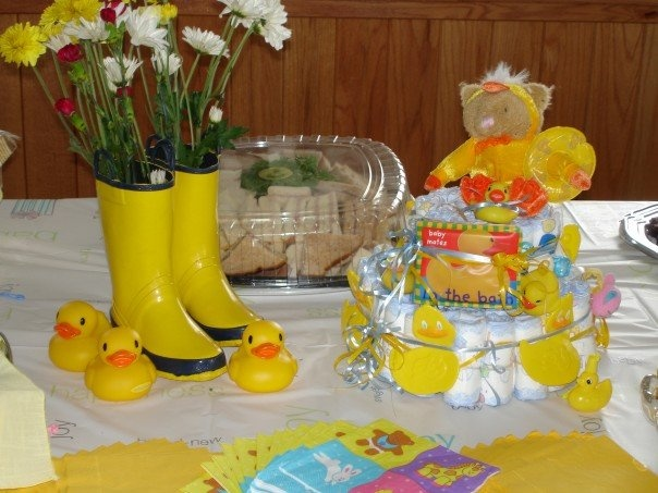 Duck Baby Shower Decorations ! Love the rain boot centerpieces