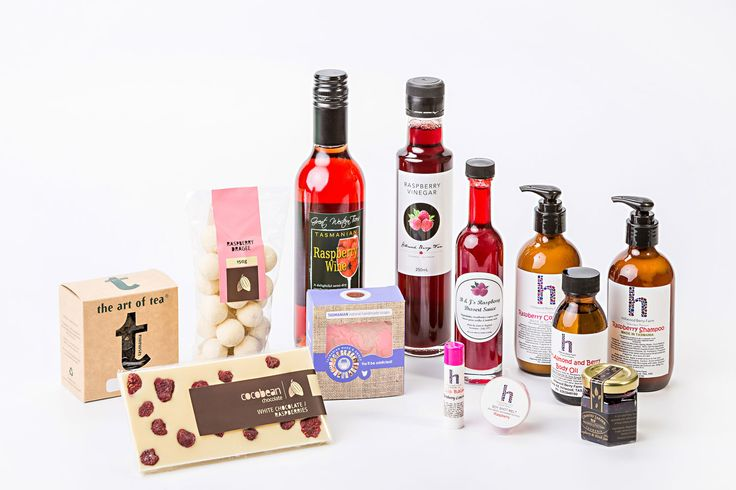 Raspberry Rhapsody Hamper – know a raspberry fanatic?  This is the ultimate submersion into the marvellous berry flavour.  This hamper has everything from chocolate, to lip balm, to vinegar, to body products, to jam, to liqueur, to tea – more than enough to satisfy even the most intense fan of raspberry.