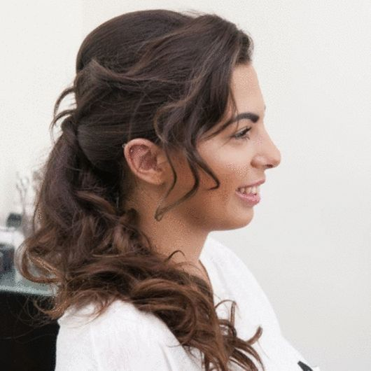 Twisted pony! Πώς να κάνεις την κοτσίδα που δίνει όγκο ακόμη και στα πιο λεπτά μαλλιά! - Tlife.gr