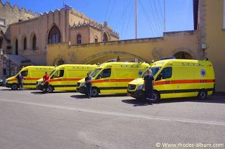 ΡΟΔΟΣυλλέκτης: Παραλαβή 8 νέων ασθενοφόρων για την κάλυψη των ανα...