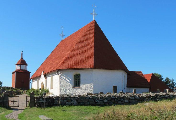 Sjöfararkapelllet, Hamnö. På Kökardagarna 2014: Friluftsgudstjänst söndag 3.8 (vid dåligt väder i kyrkan).