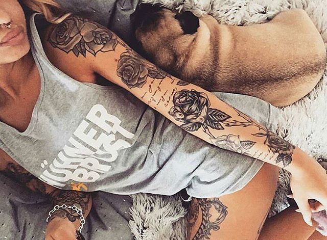 Love how there is words throughout the arm... going to do that for my arms