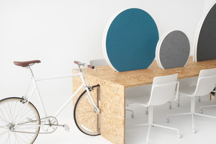Rolling workspace by Nendo