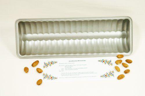 Almond Cake Pan ScandinavianShoppe http://www.amazon.com/dp/B00C7FCBHQ/ref=cm_sw_r_pi_dp_k2-fvb1YTGHZ0