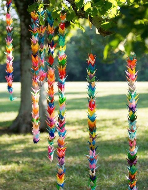 Tradition japonaise en origami pour souhaiter bonheur et prospérité