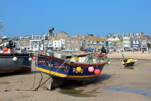 Boat in St Ives Harbour by Jane Keyse. #Cornwall #coast