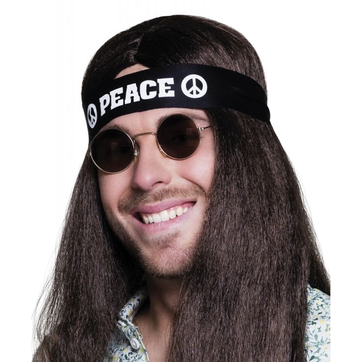 Deze zwarte hoofdband is gemaakt van polyester en dient u te bevestigen met een knoop aan de achterkant van uw hoofd. Op de hoofdband staan de tekst peace en 2 peacetekens.