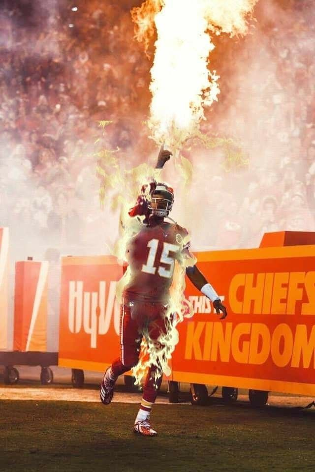 He Throw With Fire Kansas City Chiefs Qb Kansas City Chiefs Football Kansas City Chiefs