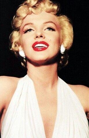 Pin van petra bennebroek op Marilyn Monroe | Beroemdheden