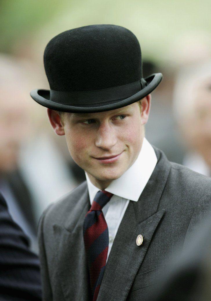 Pin for Later: Comment Harry S'est Transformé de Petit Garçon à Véritable Prince Harry a assisté à un défilé à Hyde Park en Mai 2006.