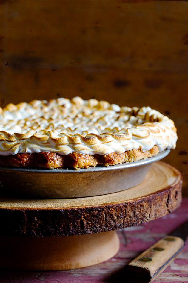 Pumpkin Chai Marshmallow Pie via Bakers Royale /