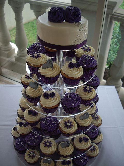 And it's purple! :-): Purple Cupcakes, Cupcakes Wedding, Wedding Ideas, Wedding Cupcakes, Cake Ideas, Cupcakes Plum, Wedding Cake, Cupcake Towers, Birthday Ideas