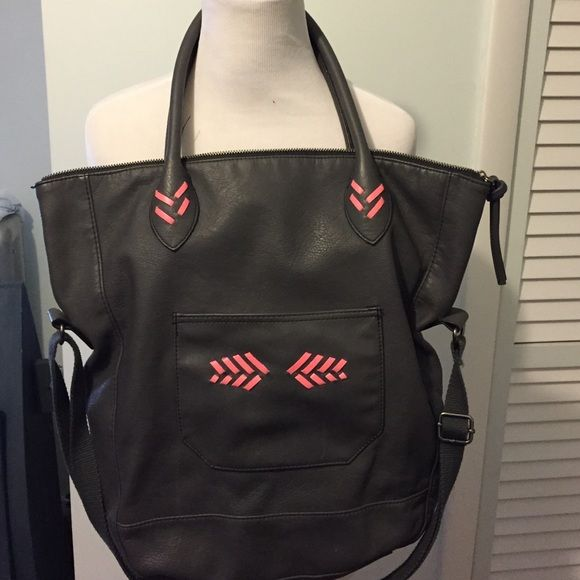 American Eagle Outfitters Bags - Charcoal American eagle  tote/cross body