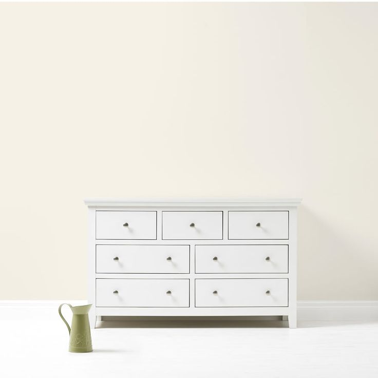 Jasmine white paint by Dulux