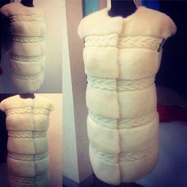 Меховой жилет,белая норка,вставки ручной вязки #натуральныймех #норковыйжилет #белаянорка #мехнорки #ручнаявязка #меховойжилет#индивидуальныйпошивднепропетровск #пошиввднепропетровске