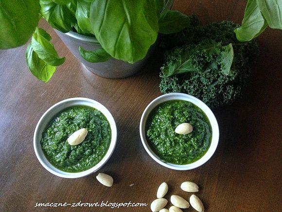 Pesto z jarmużu oraz dlaczego warto jeść jarmuż
