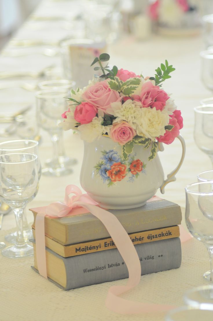 Bori Dekor- Vintage decoration for wedding with old books