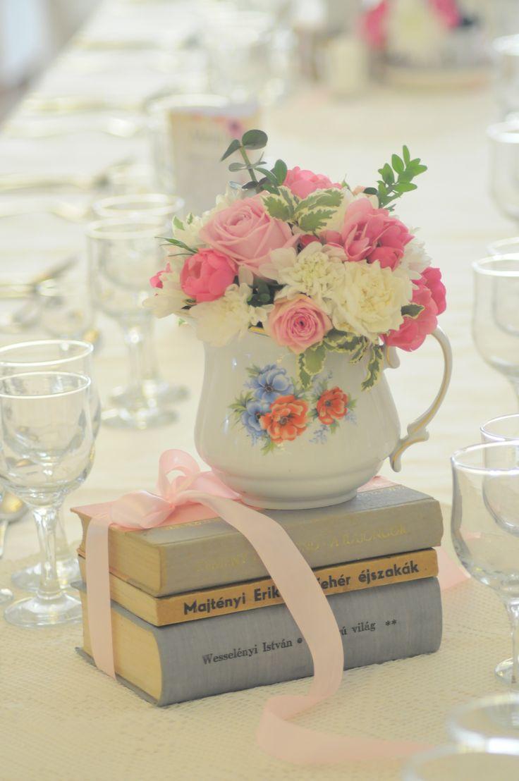 Bori Dekor- Vintage decoration for wedding with old books