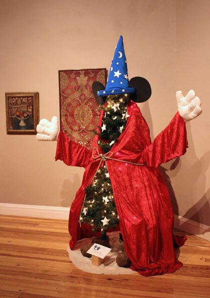 17 Best Ideas About Mickey Mouse Christmas On Pinterest