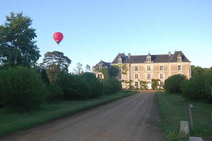 Quelle jolie #photo du #Chateau !  http://www.chateauchambiers.com/home/localisation-itineraires-maison-hotes-durtal-angers/