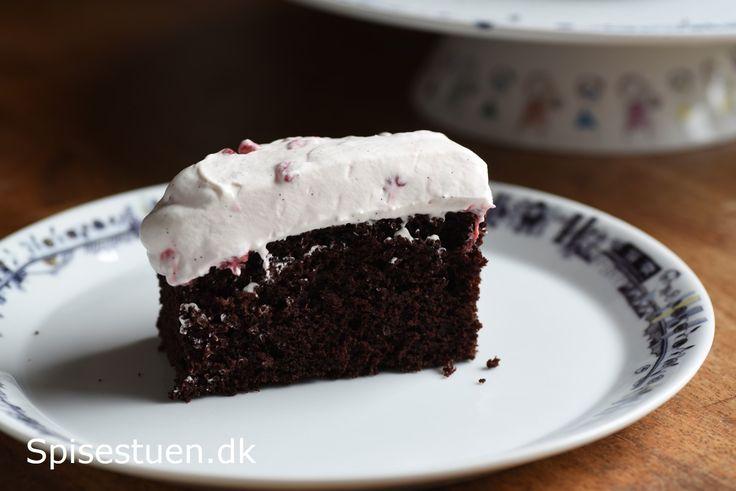chokoladekage-med-hindbaerskum-18