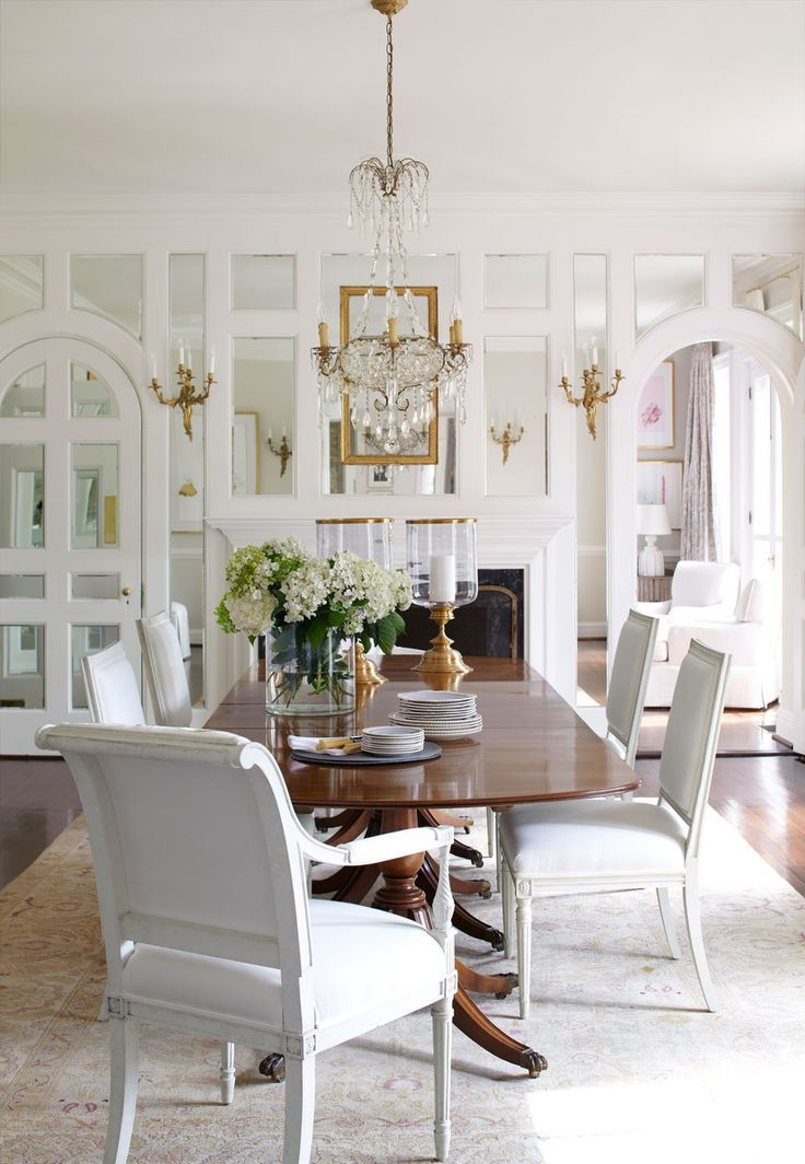 Wood Table White Chairs Refreshing Clean And For Dining Where Food Is The Focus Designed By Suellen Gregory Photo From Veranda Magazine