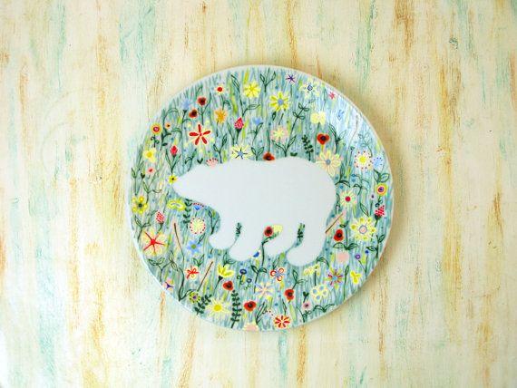 Hand painted porcelain plate  Polar bear in por roootreee en Etsy, £15.00