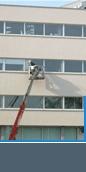 Glazenwasserij Van Elten wast gratis 4x per jaar alle ramen van het Huis. Daarnaast zetten zij zich op allerlei manier actief in voor ons.